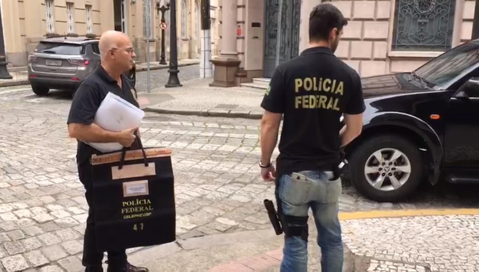 Ministério Público investiga políticos e empresários da região