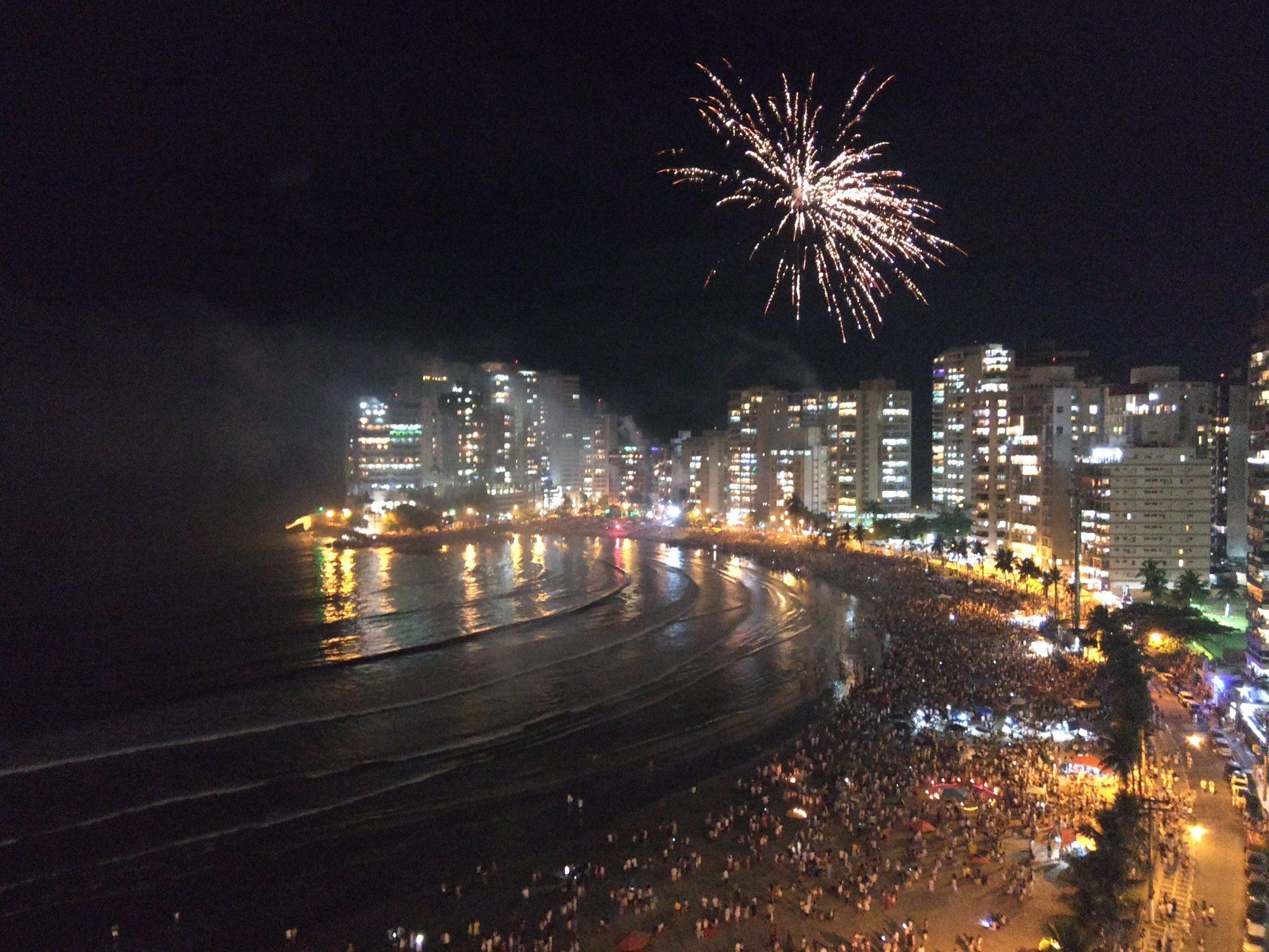 Espetáculo de queima de fogos terá 13 minutos de duração em Guarujá