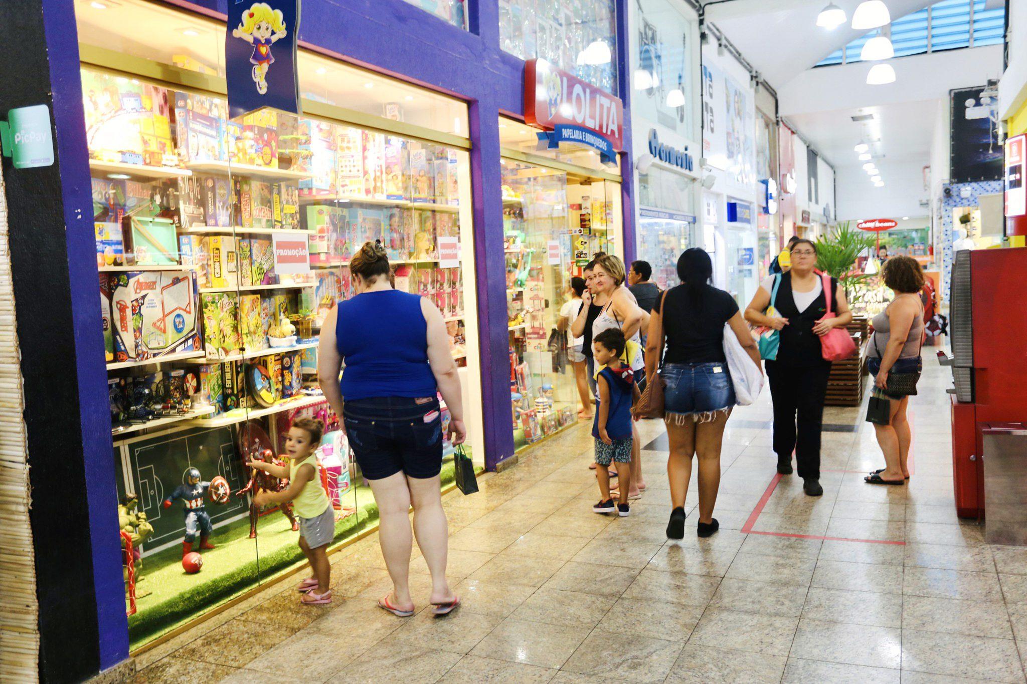 Governo de SP autoriza funcionamento de atividades comerciais aos fins de semana