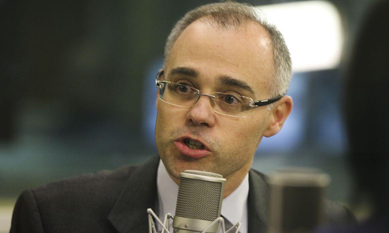 Casos de divulgação de fake news aumentaram, diz ministro da Justiça